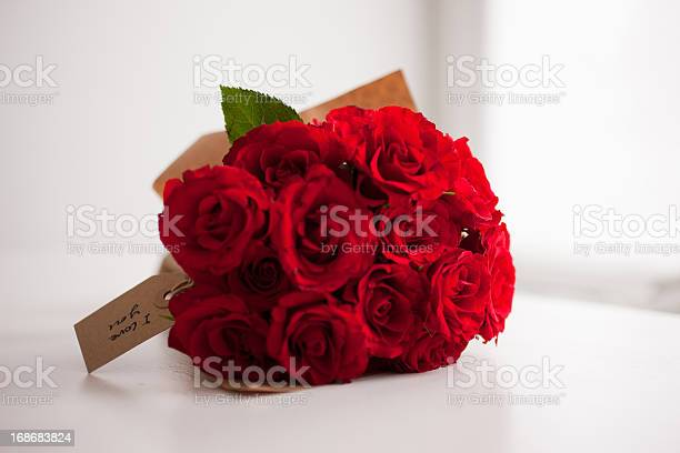 Red rose bouquet with gift tag picture id168683824?b=1&k=6&m=168683824&s=612x612&h=f290rx thyiei 9mvop0mclfmlnwh3am24tkkt7dq40=