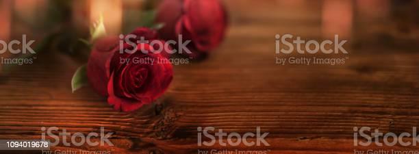 Red rose on dark wood picture id1094019678?b=1&k=6&m=1094019678&s=612x612&h=ven4rdiirqsyxjvgq9kl 2m8srjhqhyz8x4hgk8gwje=
