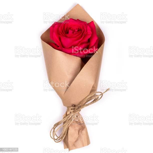 Red rose wrapped in kraft paper picture id1002197220?b=1&k=6&m=1002197220&s=612x612&h=aqk5bdibylglzatmu0ovahpu54c9vv5l8dtbtq81zyg=