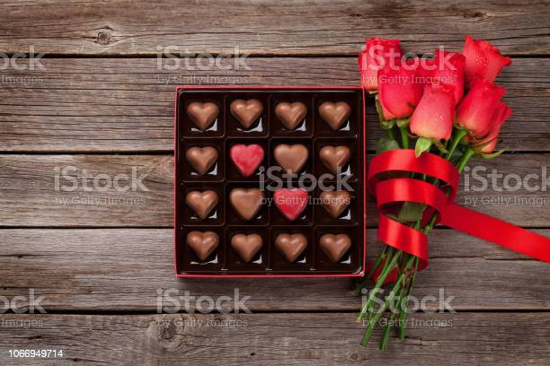 Red roses and chocolate box picture id1066949714?b=1&k=6&m=1066949714&s=612x612&h=cqvq5i1ccr9tmvowkkty8jjuemkdsirzgfstss3icjk=