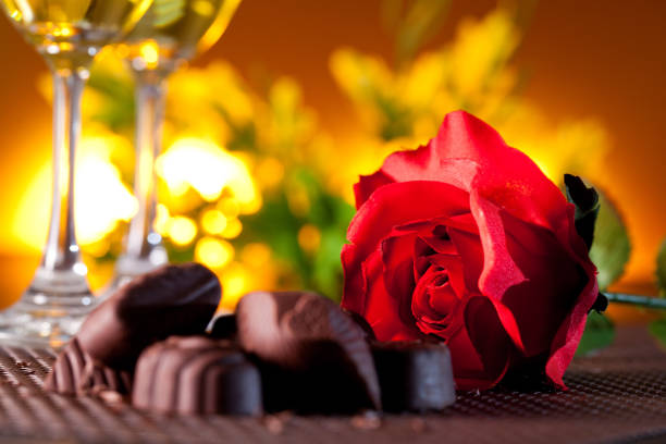 Red roses and chocolate picture id854025708?b=1&k=6&m=854025708&s=612x612&w=0&h=uaceqs5cscqlybebmaxsvgh5350wh 94nipafdibnuq=