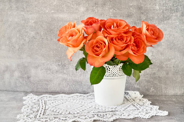 Red roses bouquet in white vase on gray background copy space mothers picture id951727116?b=1&k=6&m=951727116&s=612x612&w=0&h=cuqstwl3hwhp1srqzunw2ywjjdd50smendmpmjyrsu4=