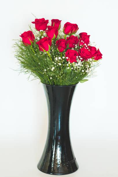 Red roses in vase picture id1050750090?b=1&k=6&m=1050750090&s=612x612&w=0&h=mkrrkxr87sxjocio3p5nvxirf4f 9z1hqzrruykig 4=