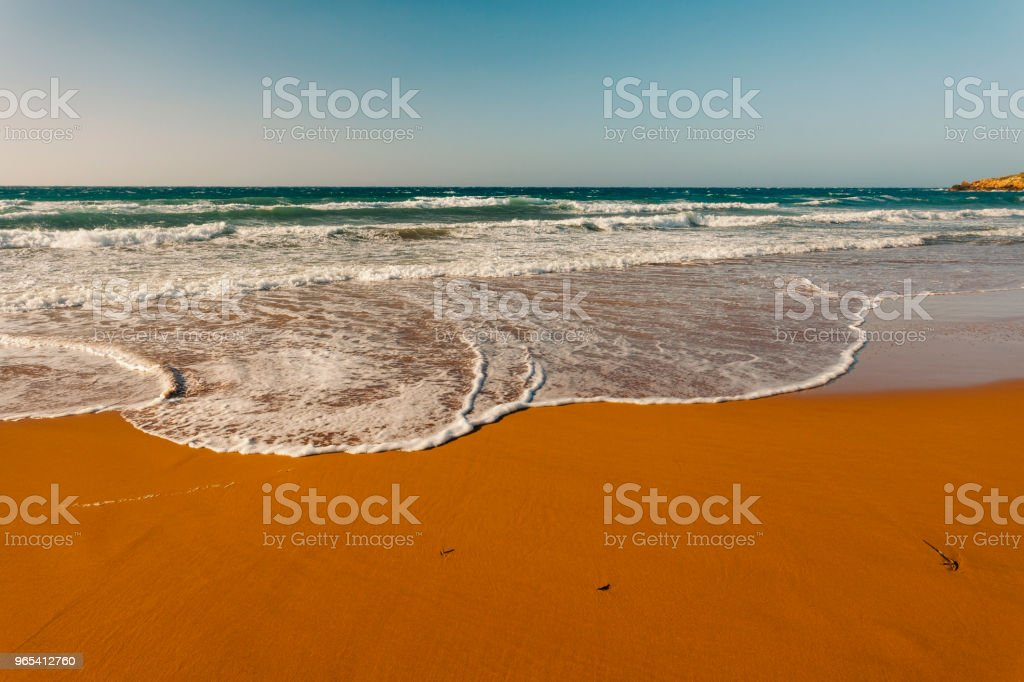 Plage de sable rouge, Ramla Bay, île de Gozo, Malte - Photo de Archipel maltais libre de droits