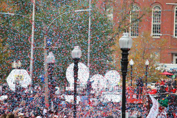kırmızı sox 2018 dünya serisi şampiyonlar geçit töreni - geçit töreni stok fotoğraflar ve resimler