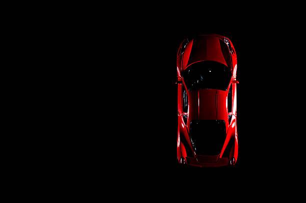 rot sportwagen - rotes oberteil stock-fotos und bilder