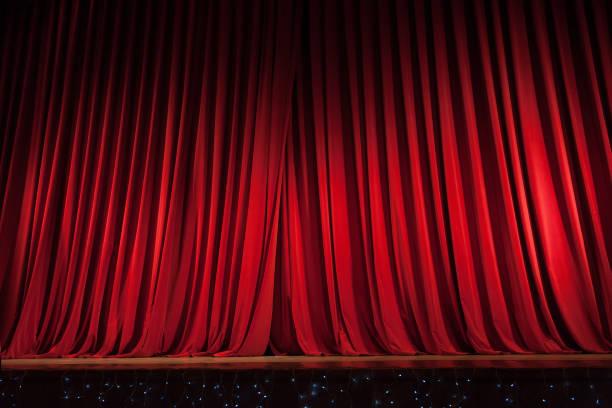 red stage curtain - sipario foto e immagini stock