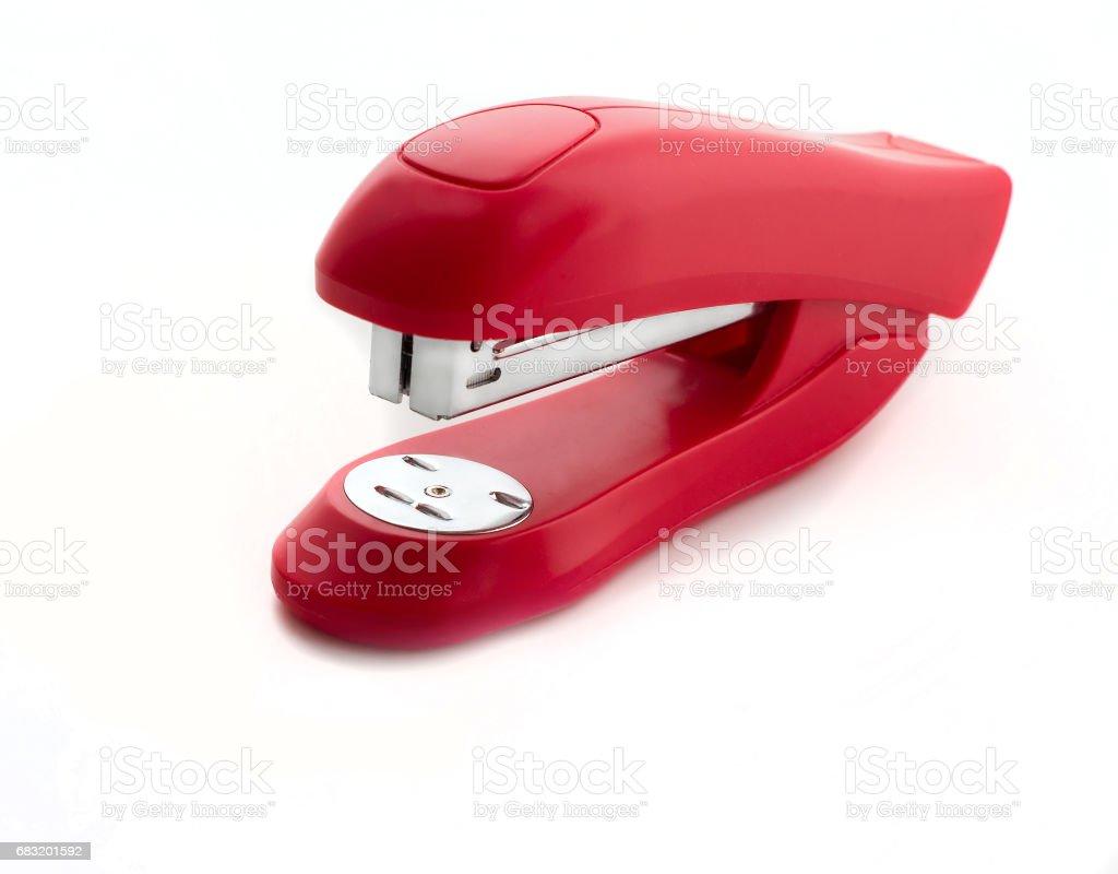紅色釘書機關閉了孤立在白色背景 免版稅 stock photo