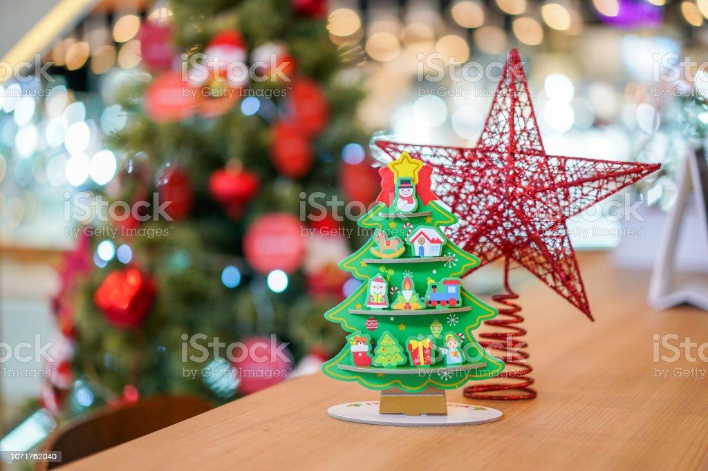 Decorar Arbol Navidad En Papel.Estrella Roja Y Arbol De Navidad Decoracion De Arte De Papel