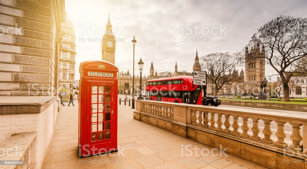 Rouge cabine téléphonique à Londres - Photo