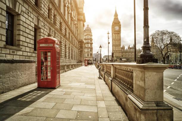 rote Telefonzellen am Big Ben – Foto