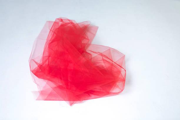 red tulle left on floor in studio at istanbul turkey - tiul tkanina zdjęcia i obrazy z banku zdjęć