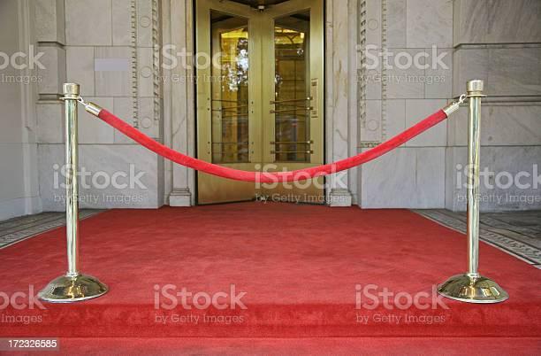 Red velvet rope barrier picture id172326585?b=1&k=6&m=172326585&s=612x612&h=lsg06i2pllhclwjv4wjhxj823sn9u1fvnlmxyol6pdq=