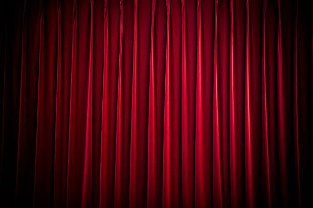 tende di velluto rosso teatro - sipario foto e immagini stock