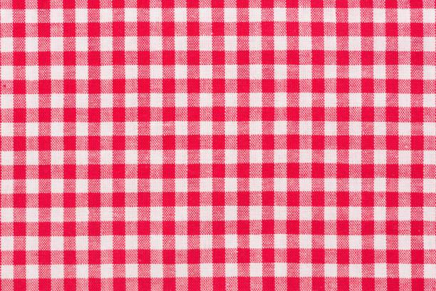 red, whire checkered tartan, pattern - tovaglia foto e immagini stock