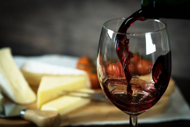 red wine and cheese - formaggio foto e immagini stock