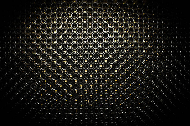 Flasche roten Wein im Weinkeller – Foto