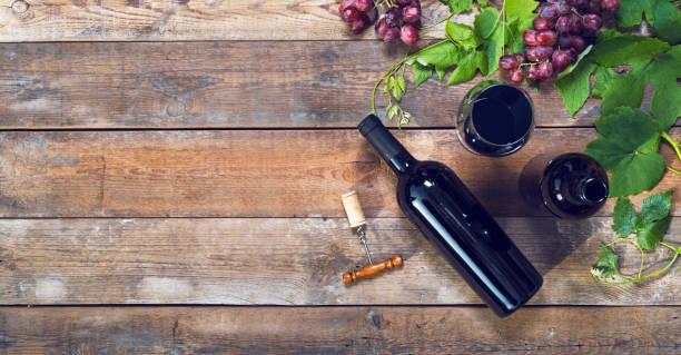 rotwein-header - französische land tisch stock-fotos und bilder