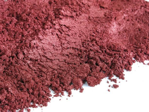 red wine mica pigment powder for cosmetic - łupek łyszczykowy zdjęcia i obrazy z banku zdjęć
