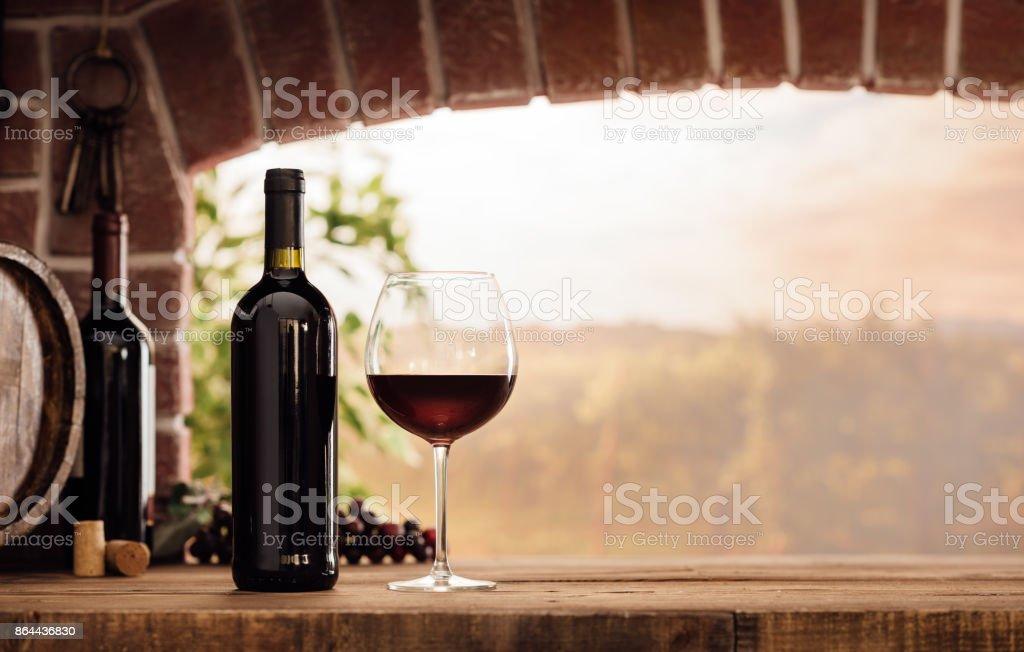 Rotwein im Weinkeller – Foto