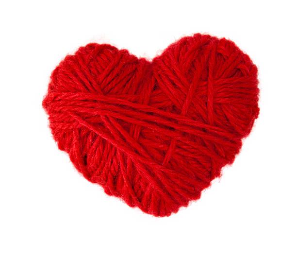 red woolen heart - wollig stockfoto's en -beelden