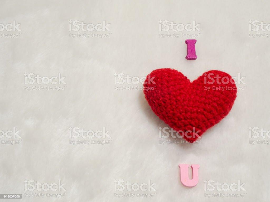 Fotografia De Hilo Rojo Corazon En Alfabeto Y Lana Blanca I Love U