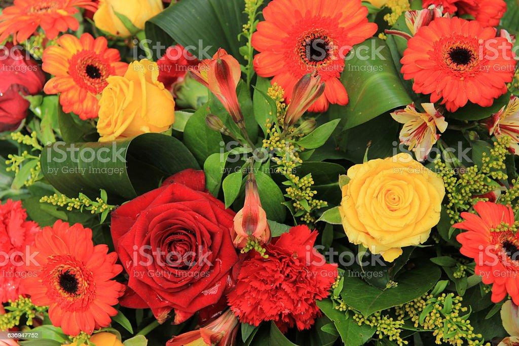 Rojo Amarillo Naranja Y Decoración Para Bodas Foto De Stock