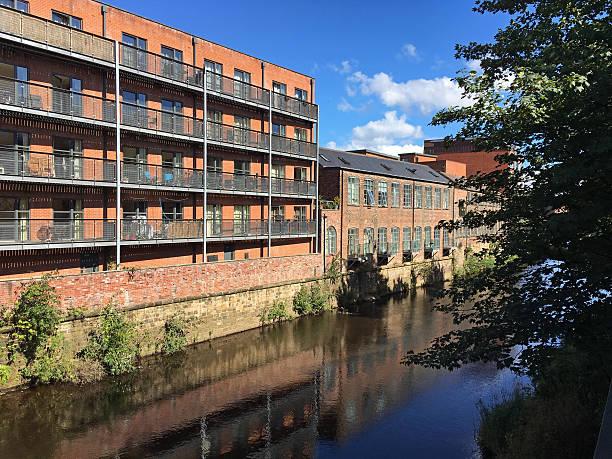 redevelopment of industrial buildings at sheffield canal, england - sheffield stock-fotos und bilder