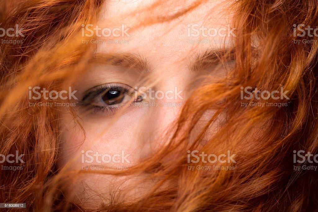 Rotes Haar-Frau's Auge – Foto