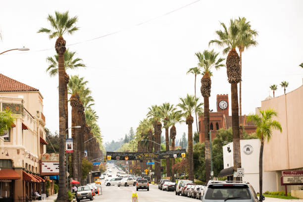 Redlands, California Redlands, California / USA - September 28, 2019: Traffic and pedestrians pass by in the bustling Downtown Redlands. redlands california stock pictures, royalty-free photos & images