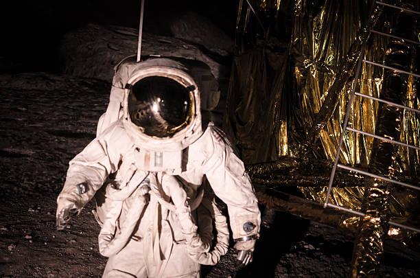 rievocazione atterraggio durante la missione sulla luna dell'apollo - esplorazione spaziale foto e immagini stock