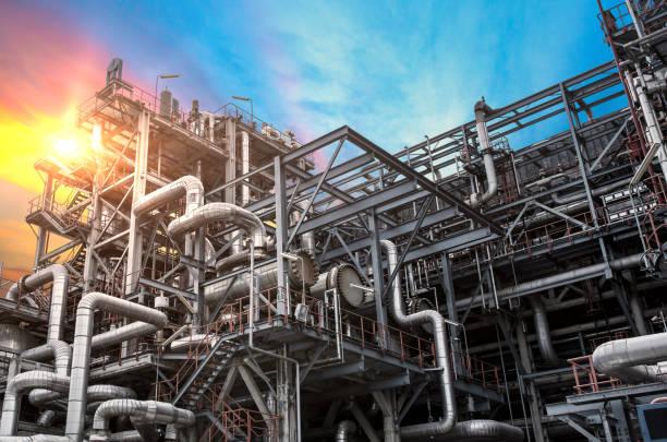 raffinerie - raffinerie stock-fotos und bilder