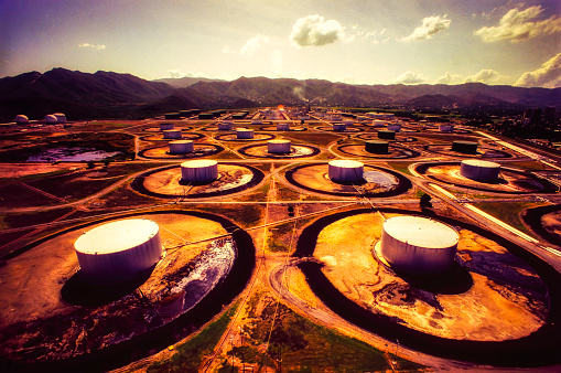 Refinery fuel storage tanks