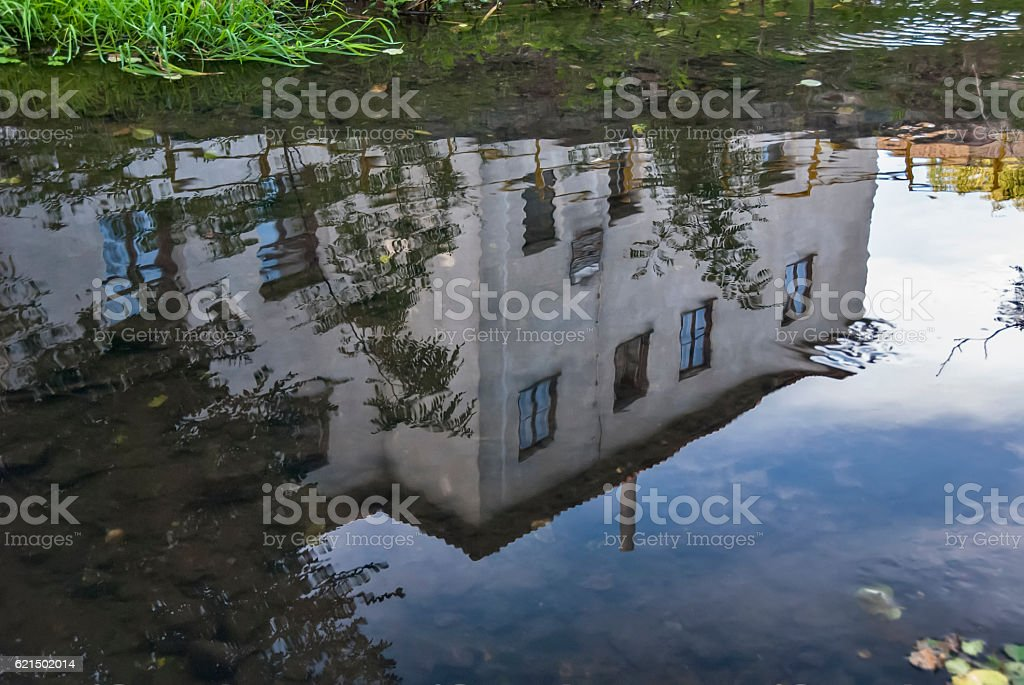 Reflection of building in the river Lizenzfreies stock-foto