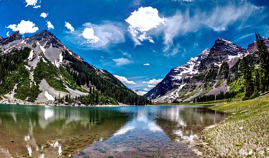 istock Reflection of Mountains and Clouds in the Lake 512829000