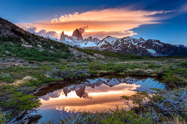 reflection of mt fitz roy in the water, los glaciares - argentina stock pictures, royalty-free photos & images