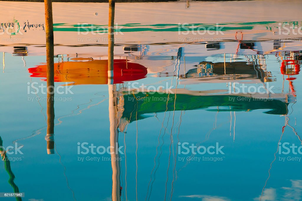 Reflection of sail boat photo libre de droits