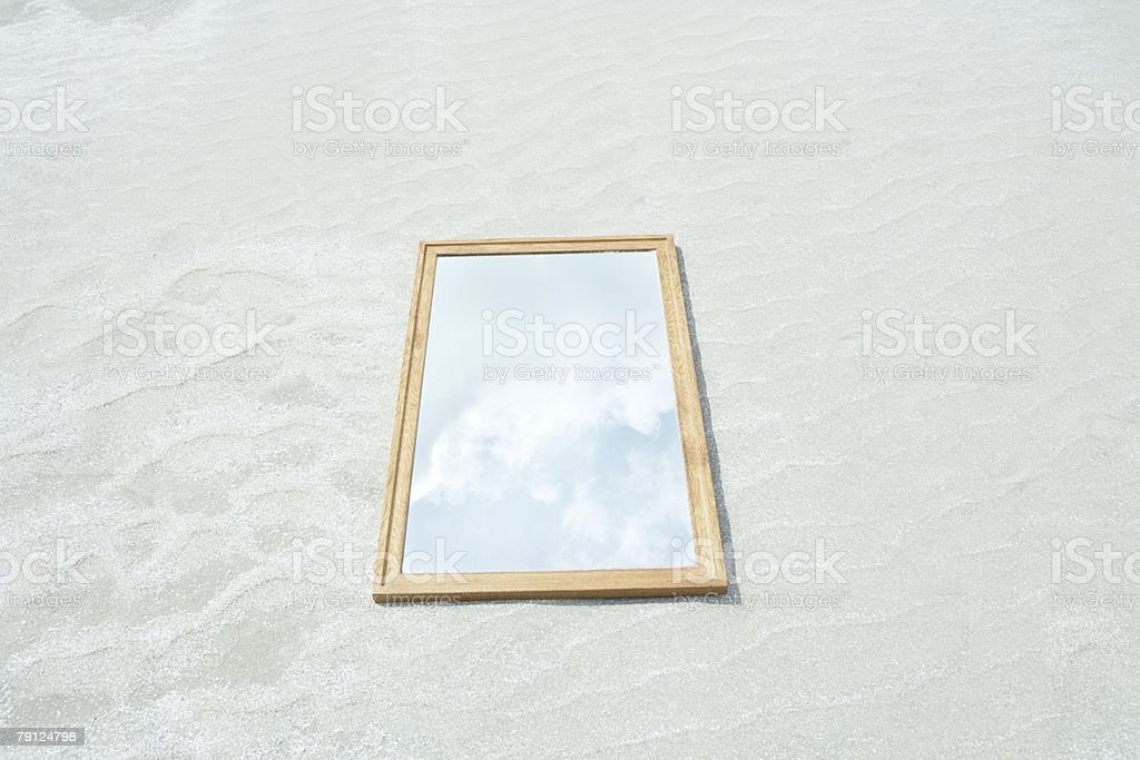 Reflection of sky in mirror on beach royalty-free 스톡 사진