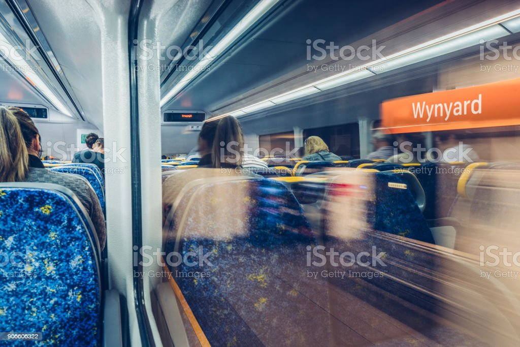 Reflexion des U-Bahn-Wagen – Foto