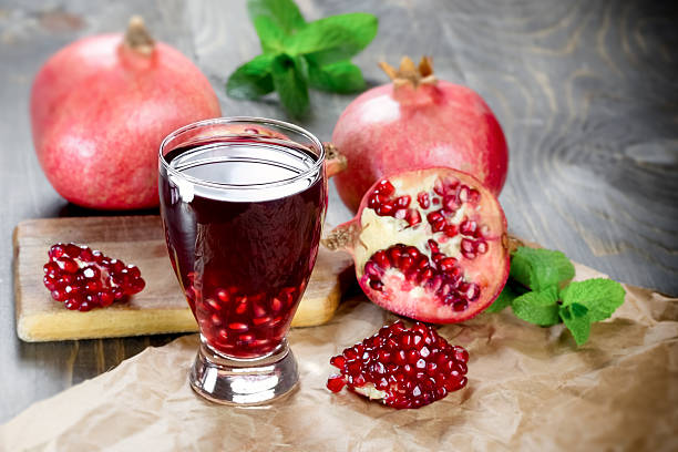 Refreshing and healthy pomegranate juice – Foto