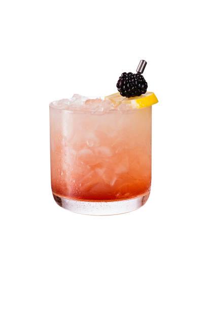 Refrescante Bramble Gin de Blackberry em branco - foto de acervo