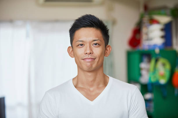 爽やかな男性 - 男性 笑顔 ストックフォトと画像
