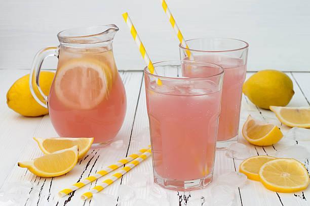 refreshing pink lemonade - 檸檬水 個照片及圖片檔