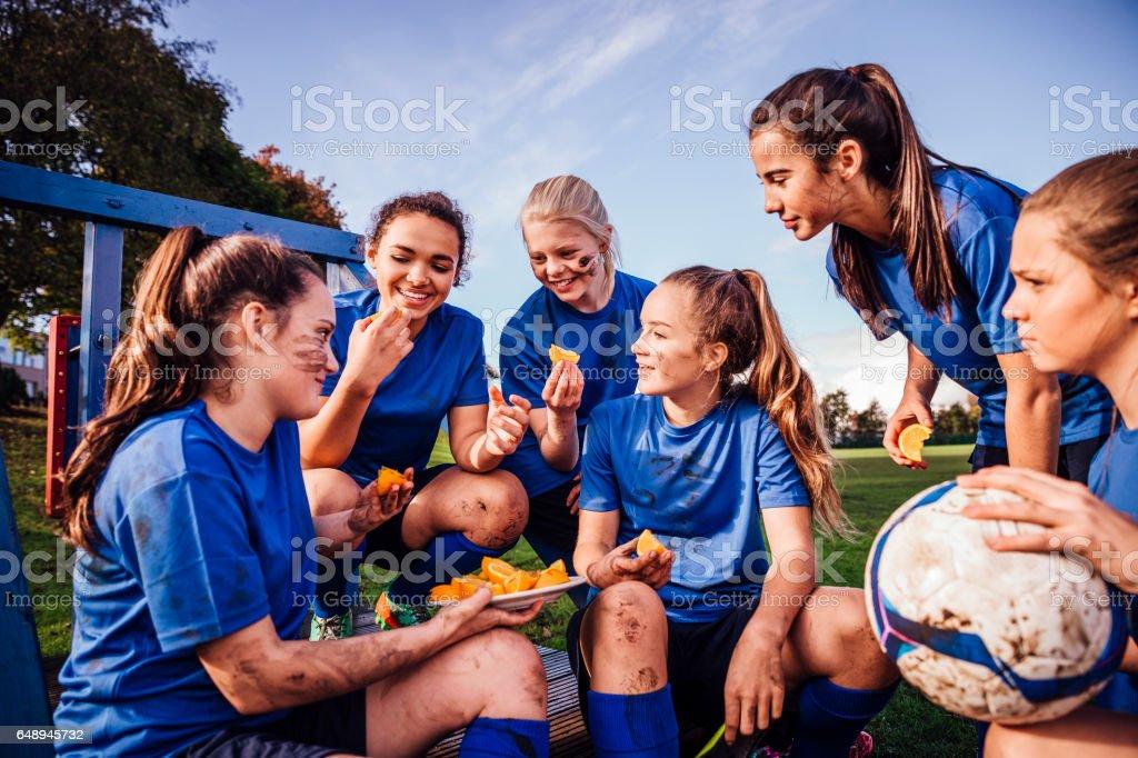 Rafraîchissements pour l'équipe de Football féminin - Photo