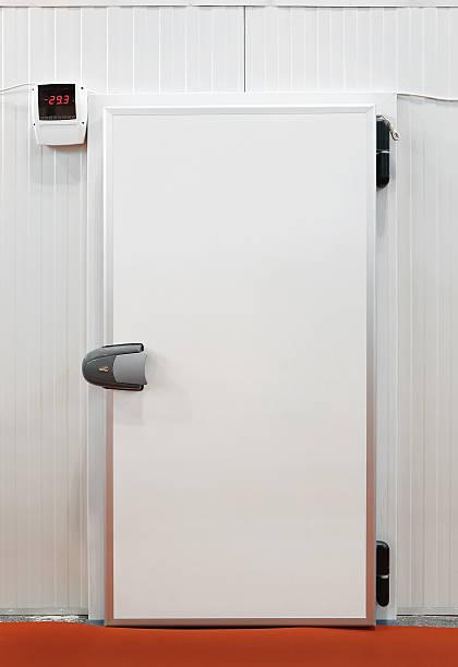 kältetechnik aufbewahrungsmöglichkeit - kühlraum stock-fotos und bilder