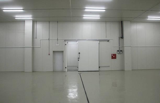 kühlschrank dem auto - kühlraum stock-fotos und bilder