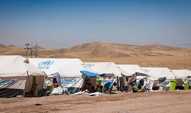 campo de refugiados en iraq - ayuda humanitaria fotografías e imágenes de stock
