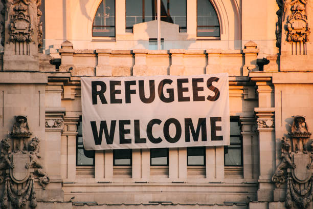 Refugees welcome banner hanging on madrids town hall building picture id866182814?b=1&k=6&m=866182814&s=612x612&w=0&h=qmsop9vxk96 tptrwkpsb8pcbfv2wltwmzq7olvxoyy=