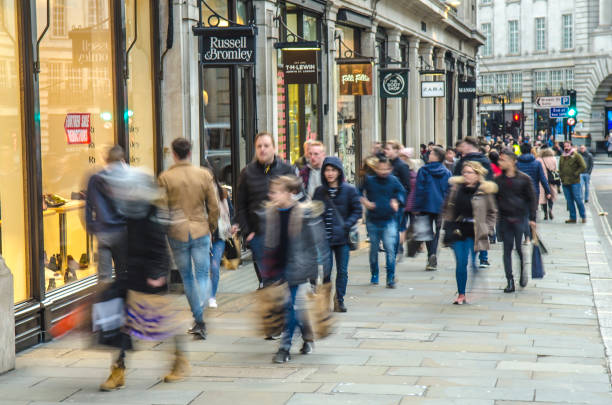 Compradores de calle regentes, Londres - foto de stock