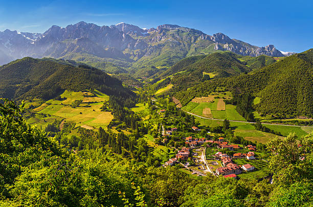 region in cantabria Liébana is a closed mountainous region in cantabria, spain cantabria stock pictures, royalty-free photos & images